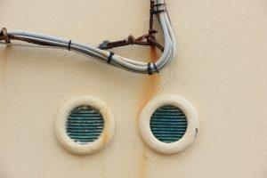 Jak zadbać o prawidłową wentylacją w łazience?
