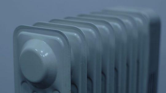 Jak obliczyć wielkość grzejnika do łazienki?