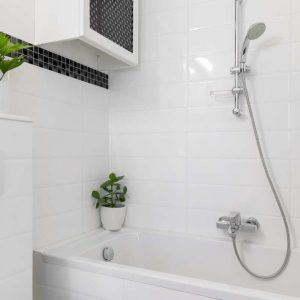 Panele prysznicowe - jak zamontować i czyścić?